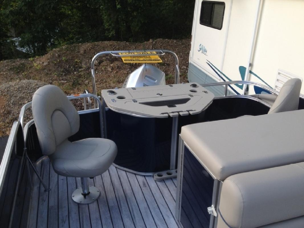 2014 South Bay Tritoon 524 FCR TT Honda 150 4S in Lake Ozark, MO