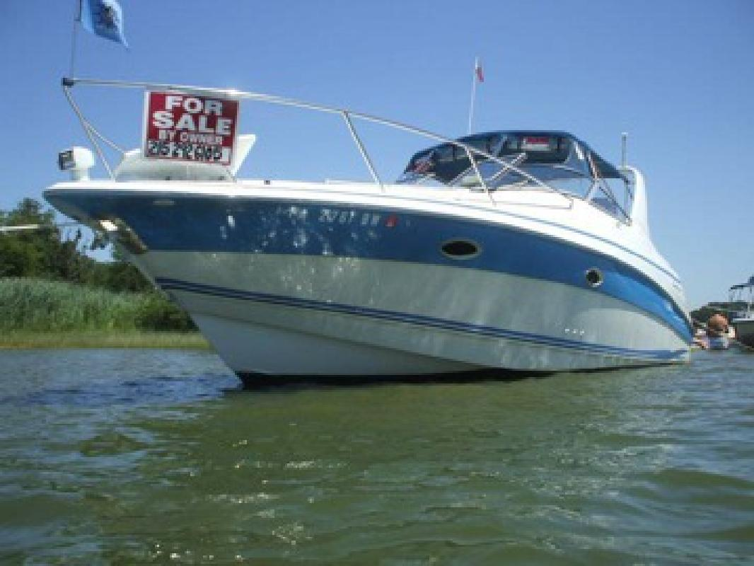1997 Chris Craft Crowne 32' Low hrs, loaded. Clean & PRICED RIGHT