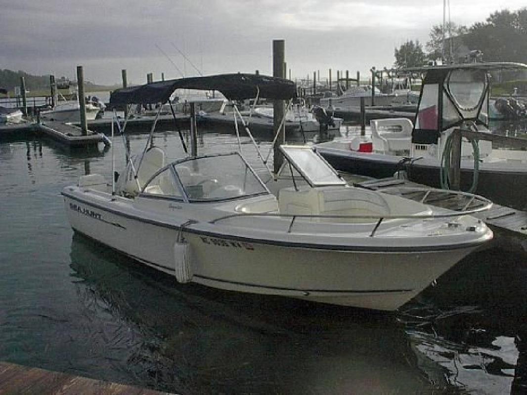 2003 20' Sea Hunt 20 Escape in Hampstead, North Carolina