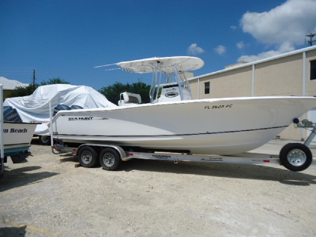 2011 27' Sea Hunt Gamefish 27 in Naples, Florida