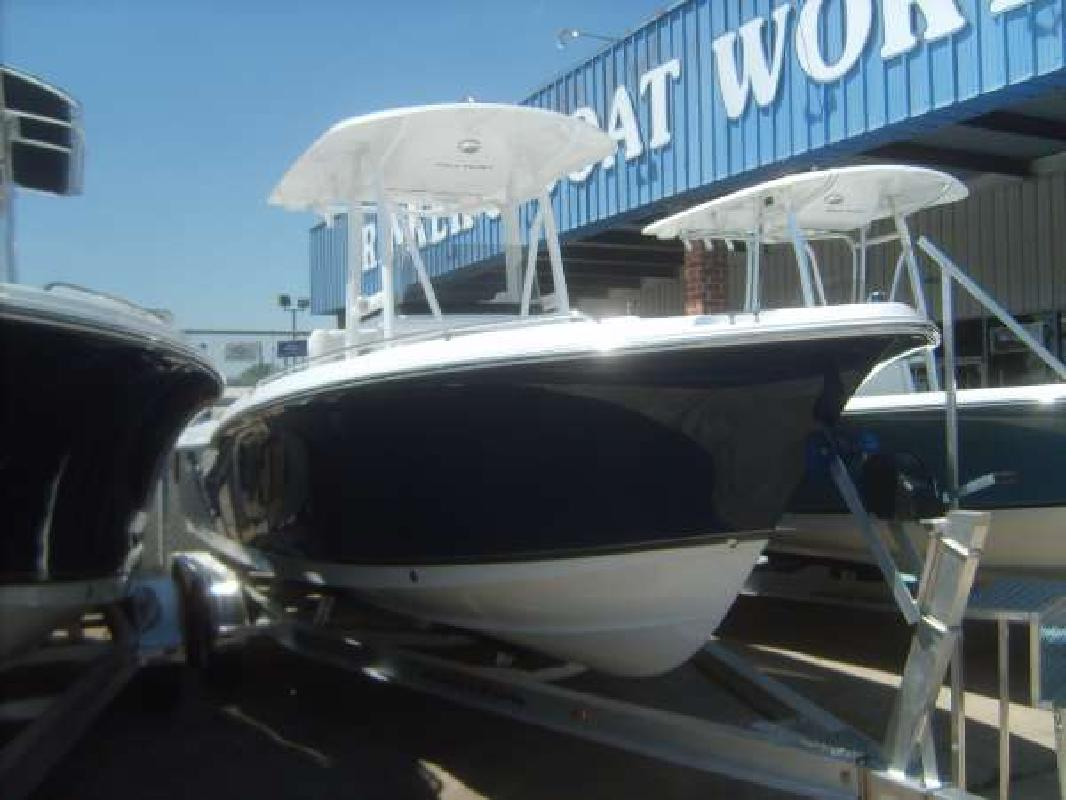 2011 23' Sea Hunt Ultra 232 in Houston, Texas