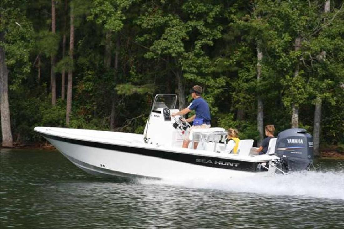 2010 21' Sea Hunt XP 21 in Gulf Shores, Alabama