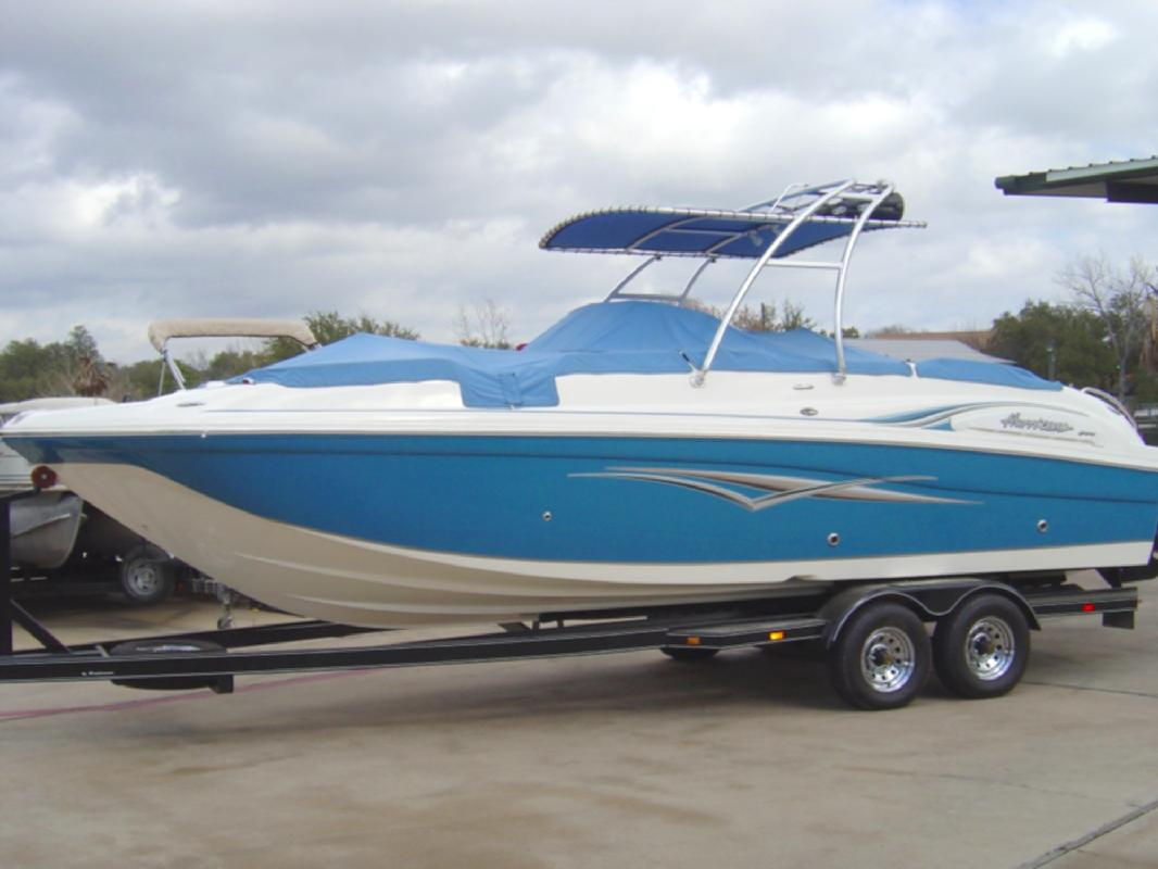 2006 26' Hurricane SD260