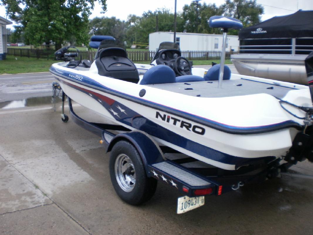 2002 NITRO BASS BOAT in Beardstown, IL