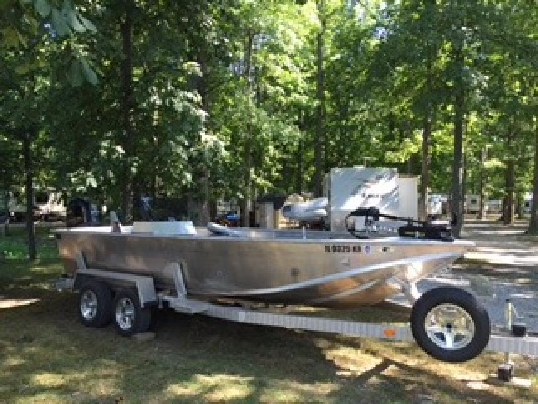2014 AAD Custom Boat in Beardstown, IL