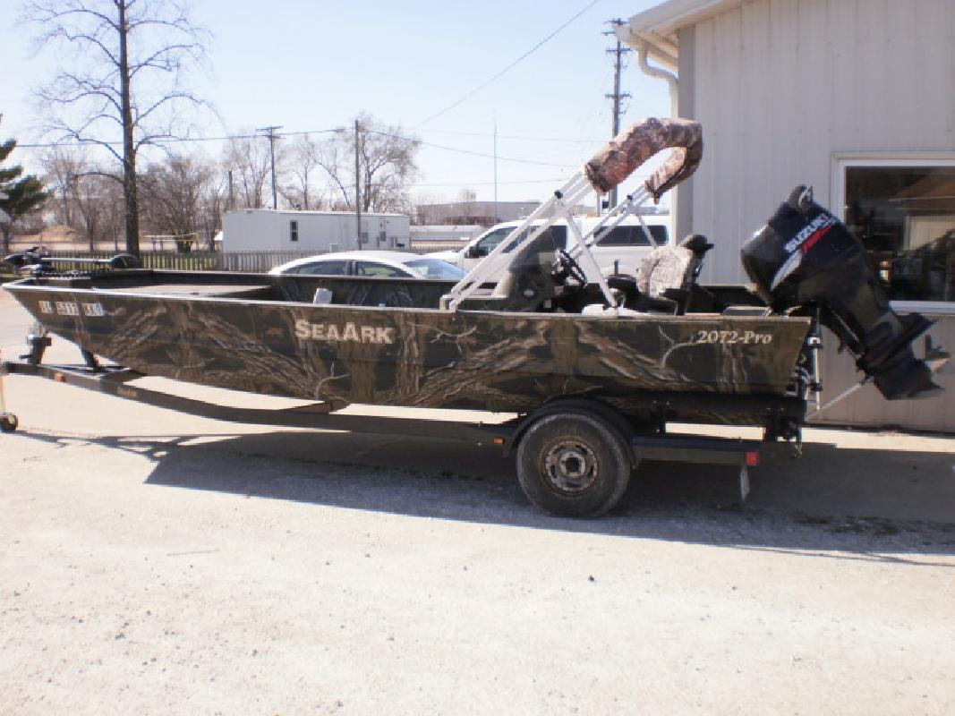 2011 2072P Sea Ark in Beardstown, IL