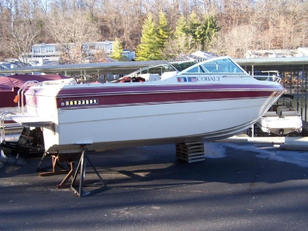 1986 Cobalt 21 Bowrider in Lake Ozark, MO