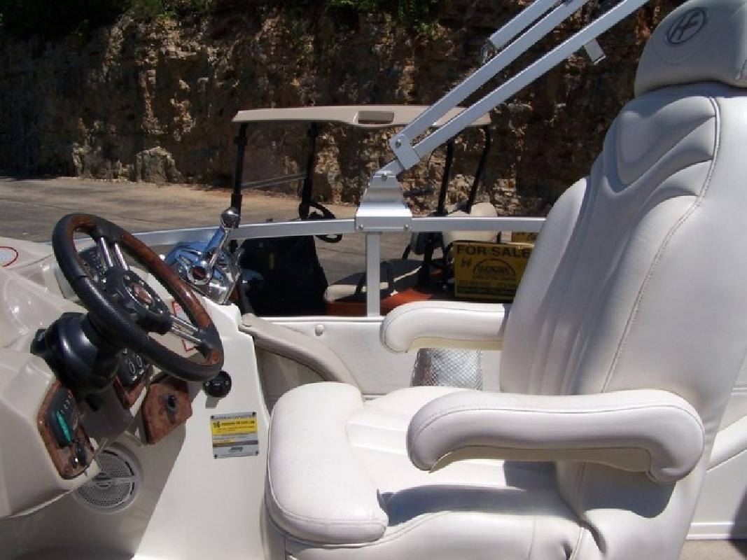2008 Harris 250 Crowne Tritoon in Lake Ozark, MO