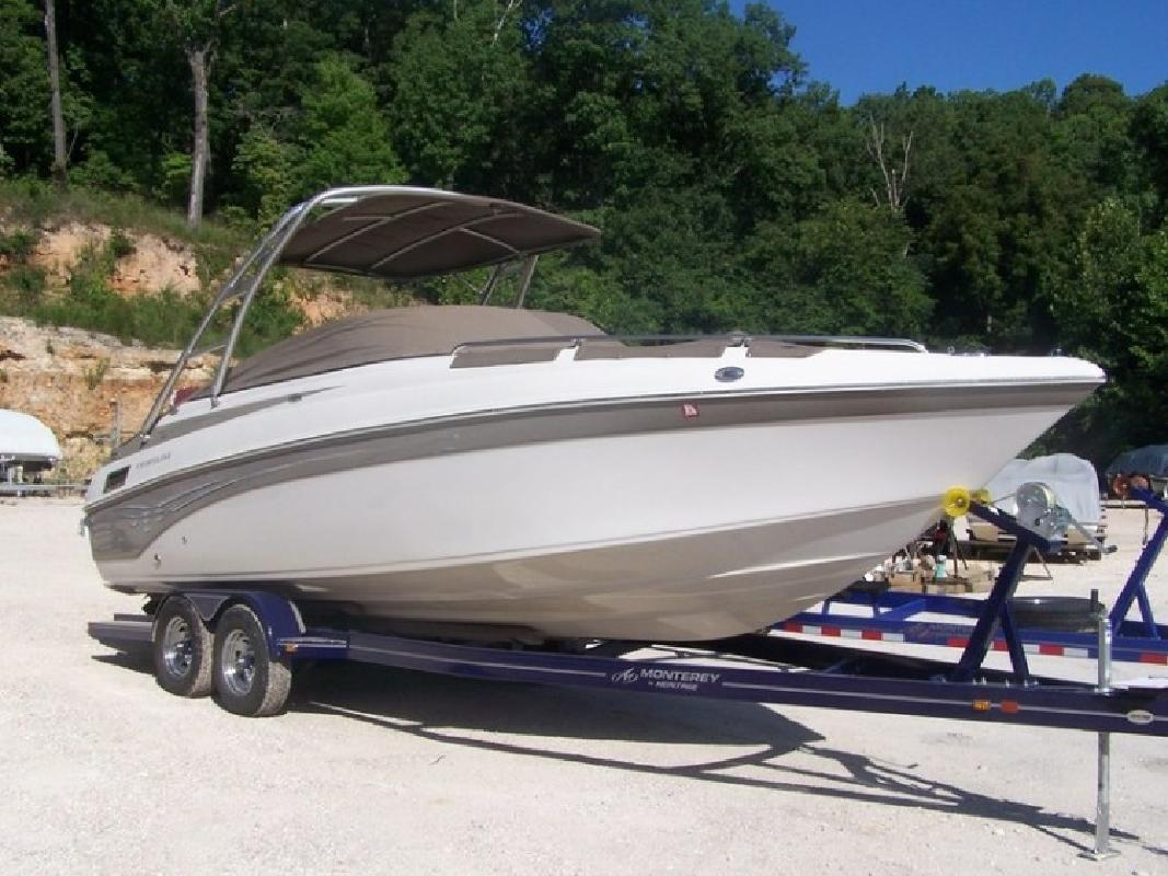 2007 Crownline 270 Bowrider in Lake Ozark, MO