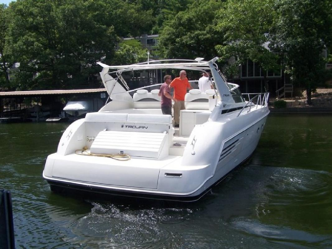 1996 Trojan 440 Express Cruiser in Lake Ozark, MO