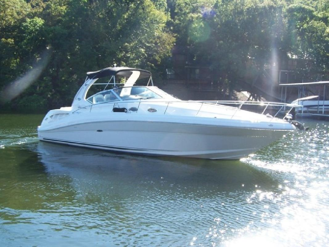 2004 Sea Ray 340 Sundancer in Lake Ozark, MO