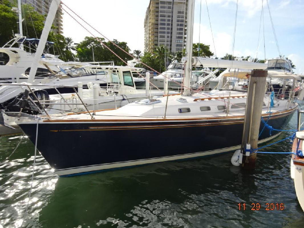 40- Sabre 402 in Miami, FL