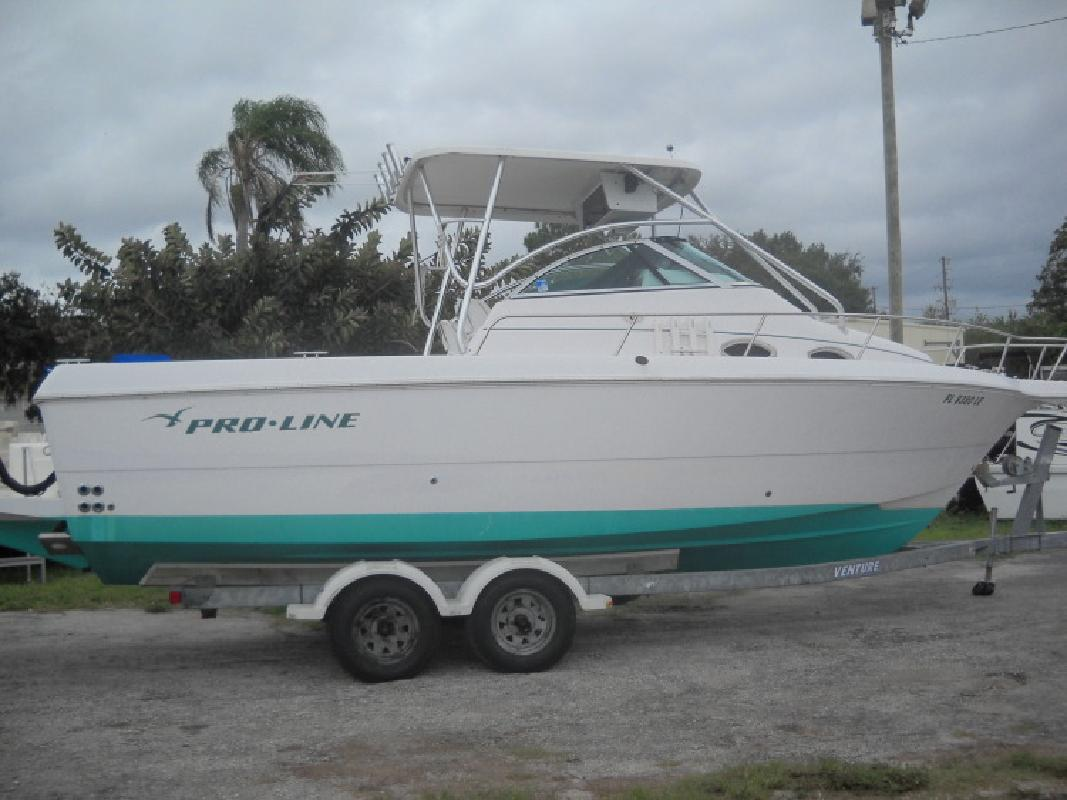 2000 Proline 25WA Cuddy Cabin in Palm Harbor, FL