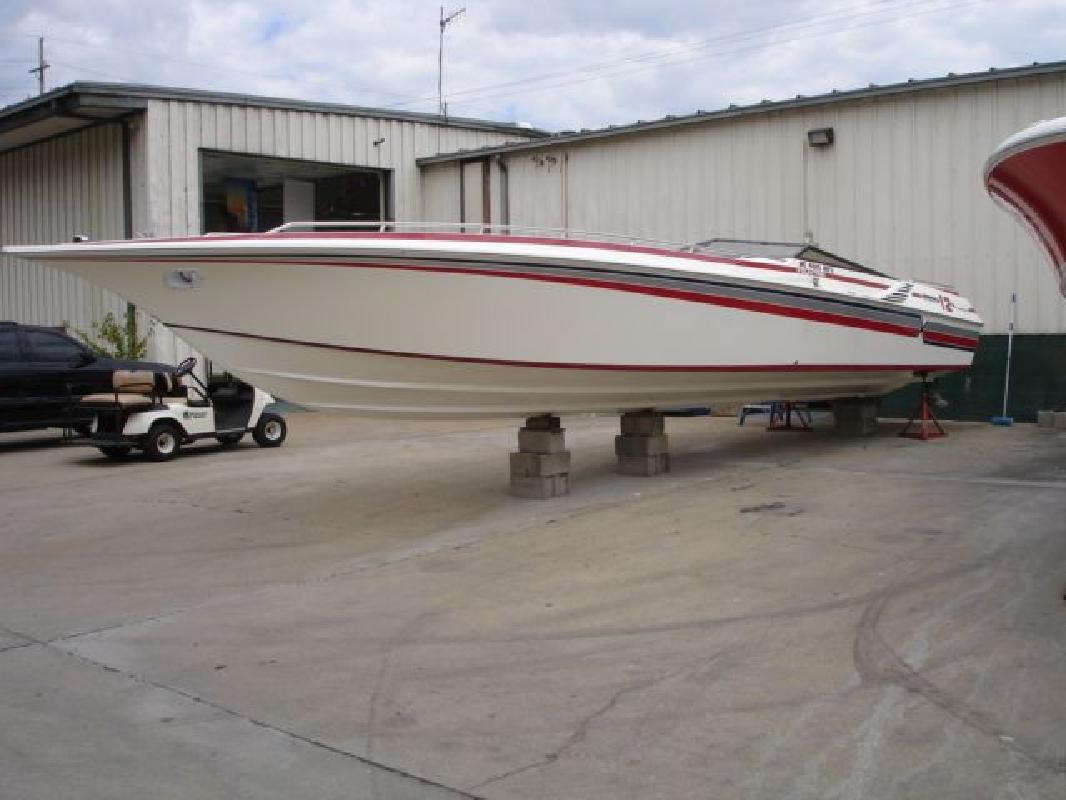 1986 40' Fountain Powerboats Inc. 12 Meter
