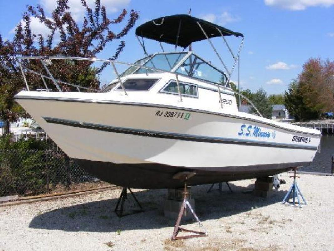 1994 22' Stratos Boats Inc 22' Stratos 2250