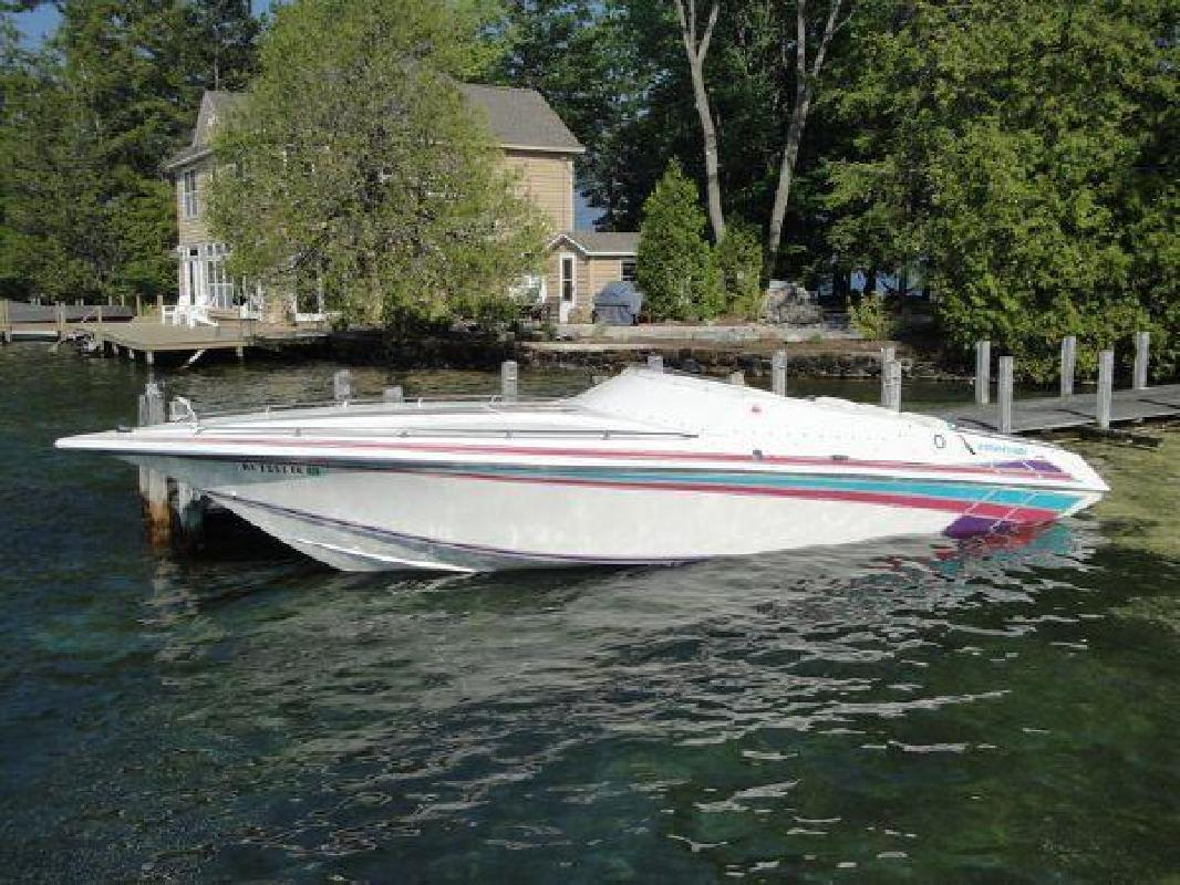 1994 27' Fountain Powerboats Inc. 27 Fever