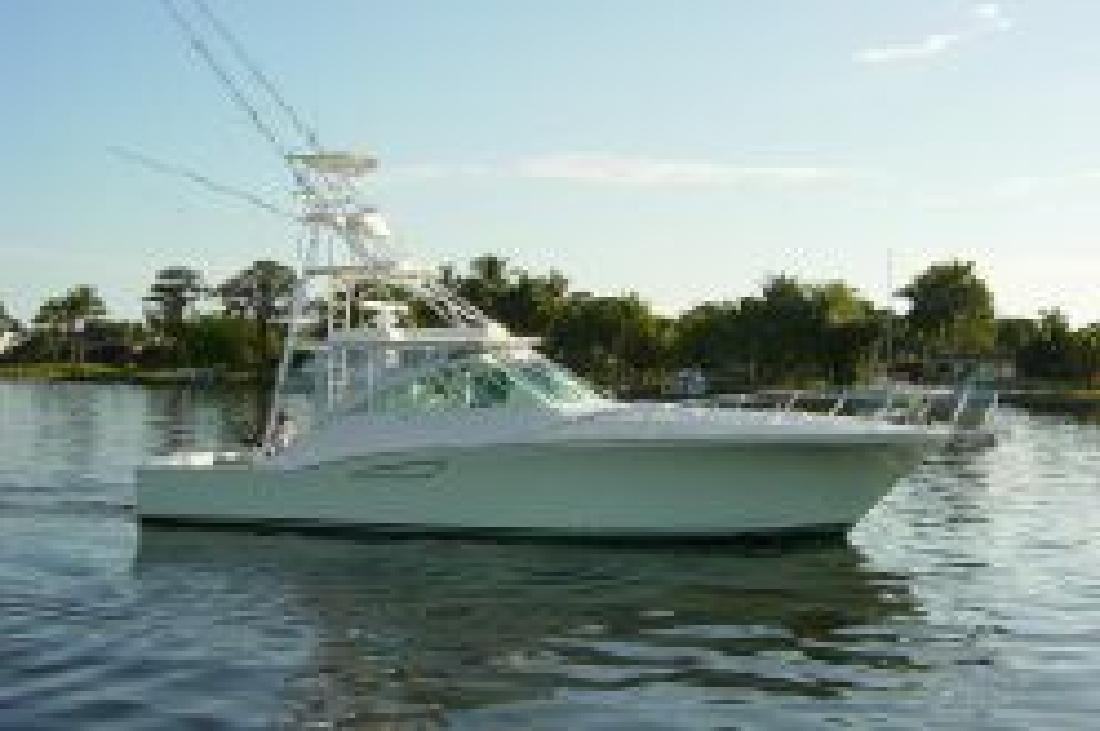 2004 45' Cabo Yachts, Inc. 45 EXPRESS