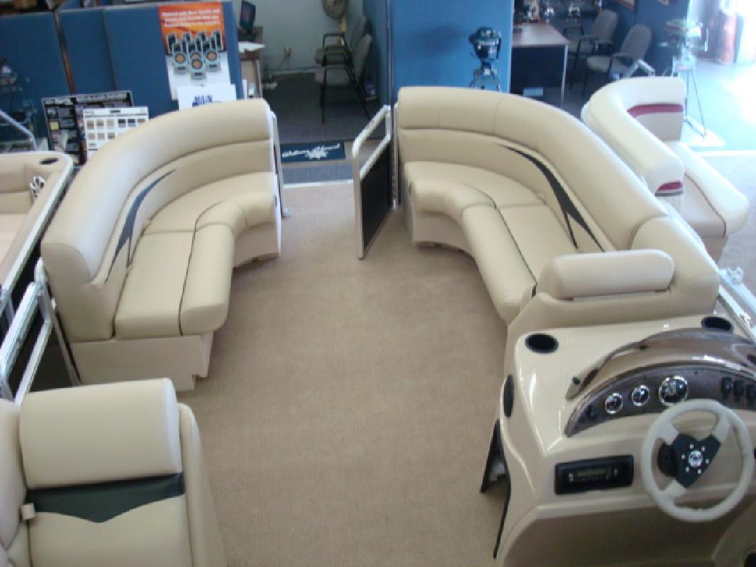 2011 20' Harris - Kayot Inc Cruiser CX 200