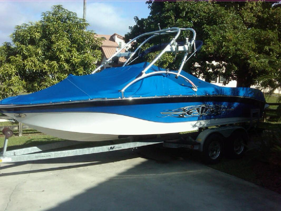 2008 21' Correct Craft Inc Ski Nautique