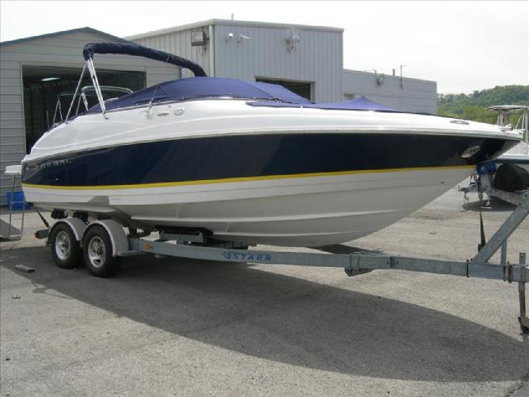 2005 24' Regal Marine Industries Inc Sport Boat 2400 Bowrider in Cincinnati, ...