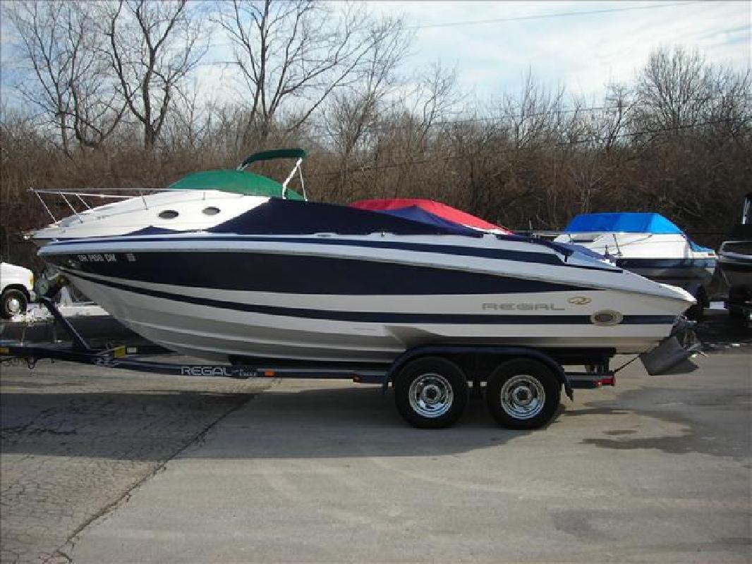 2004 22' Regal Marine Industries Inc Sport Boats 2200 Bowrider