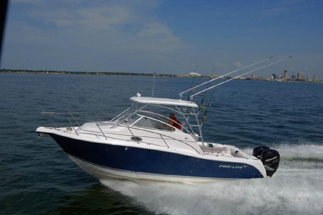 2011 32' Pro-Line Boats, Inc. Walkaround Express