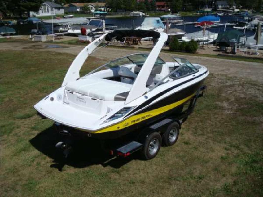 2011 21' Regal Marine Industries Inc 2100 Bowrider in Syracuse, Indiana