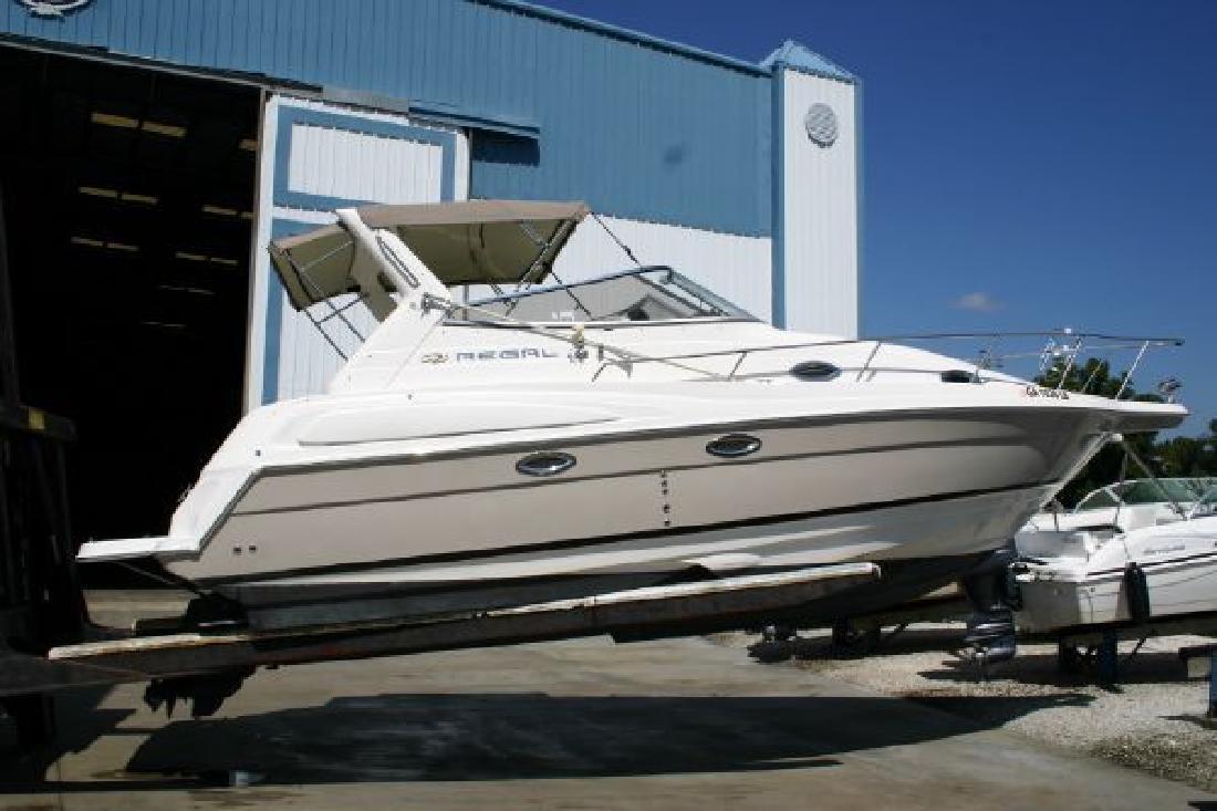 2005 28' Regal Marine Industries Inc 2860
