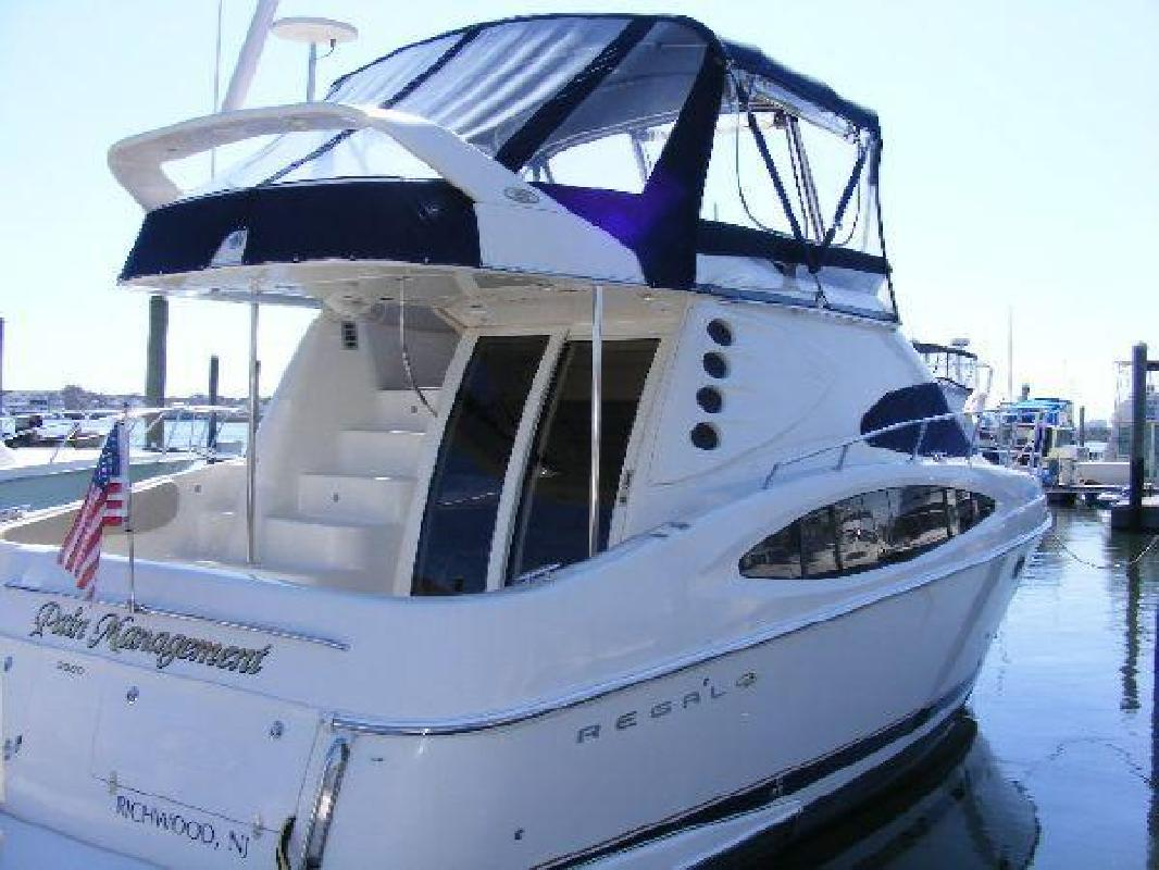 2002 38' Regal Marine Industries Inc 3880 Commodore