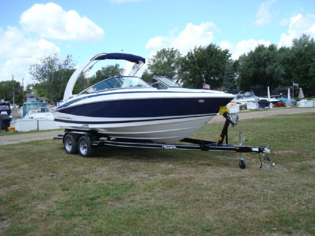 2011 24' Regal Marine Industries Inc Bowrider 2300