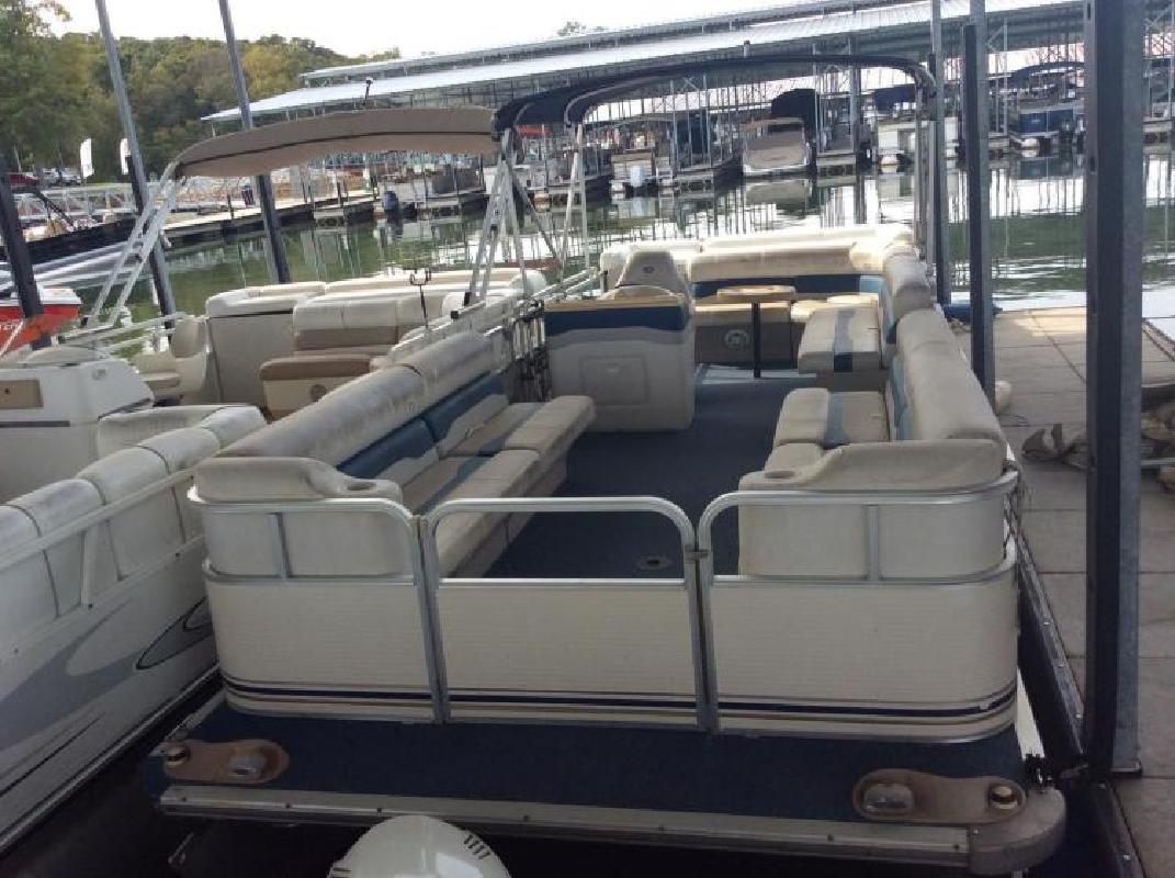 2003 Smoker-Craft Boats SunChaser Infinity 824 Seneca