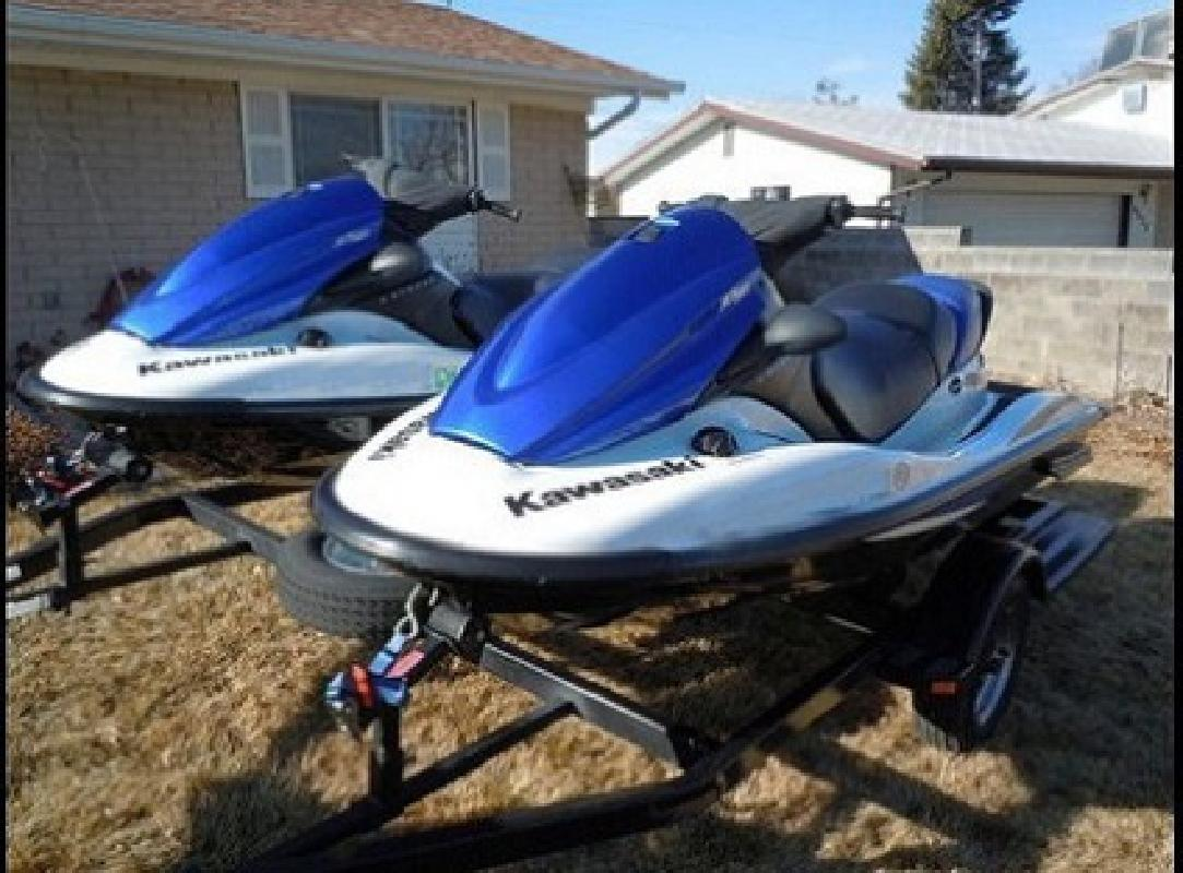 $2,600 ;30001#&Two 2006 Kawasaki STX-12F Jet-Skis with Trailer?