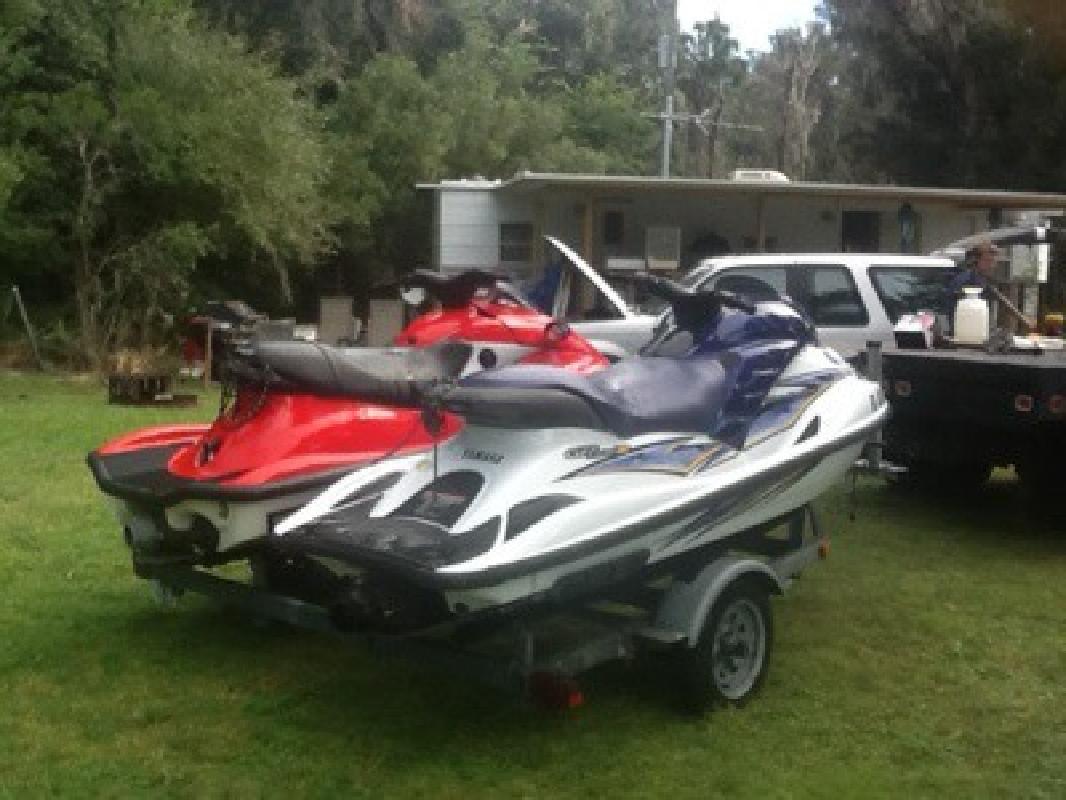 $5,500 2004 yamaha &1999 kawasaki jet skis with trailer