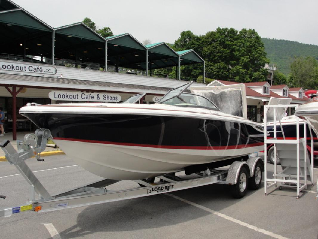 2011 23' Chris-Craft Launch 22 in Lake George, New York
