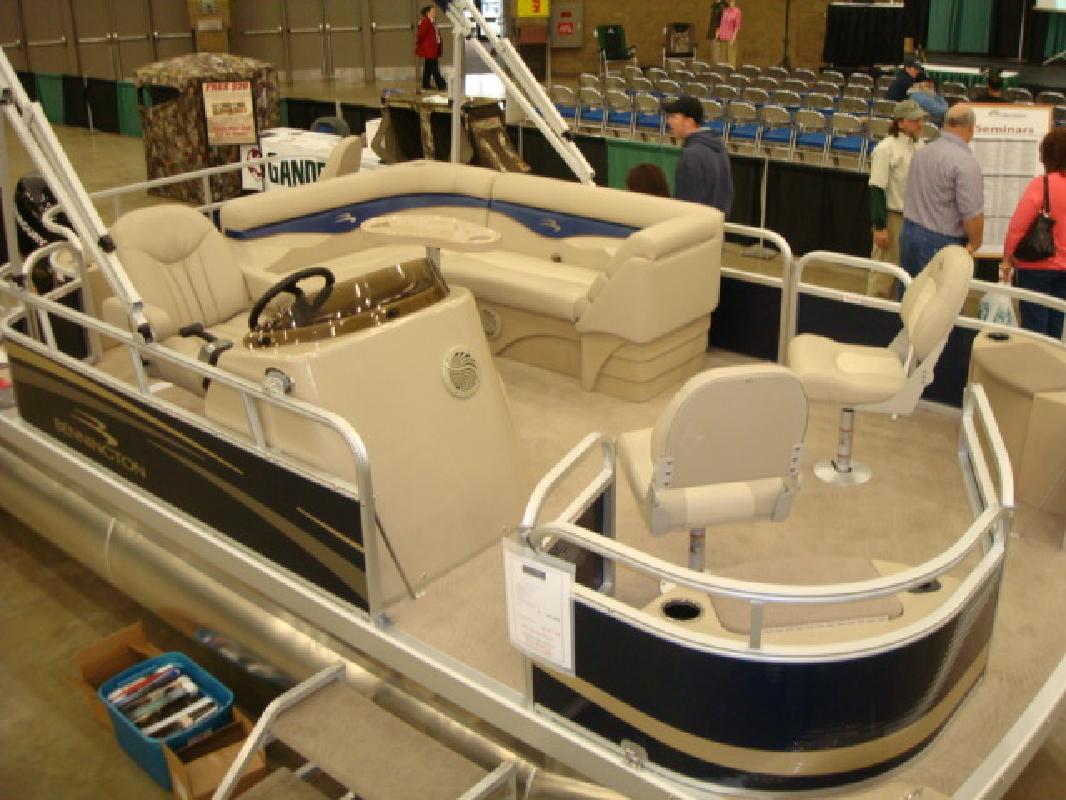 2011 20' Bennington Marine LLC pontoon 20sfi