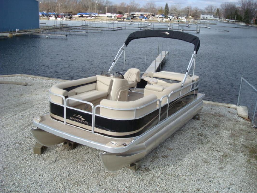 2011 20' Bennington Marine LLC pontoon 20sli