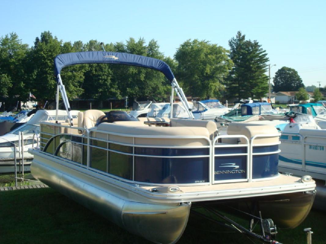 2012 22' Bennington Marine LLC pontoon 2275GCW