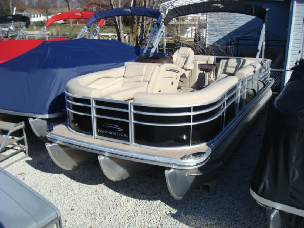 2011 24' Bennington Marine LLC pontoon 2275rcw
