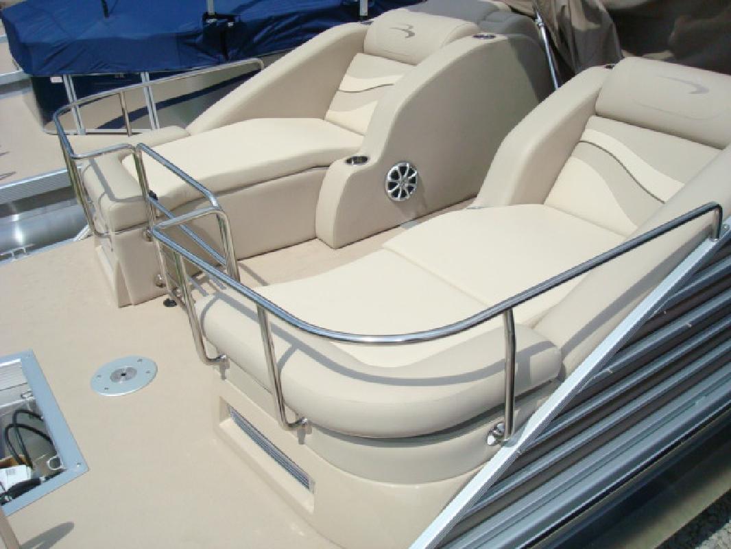 2012 24' Bennington Marine LLC pontoon 2275RCW