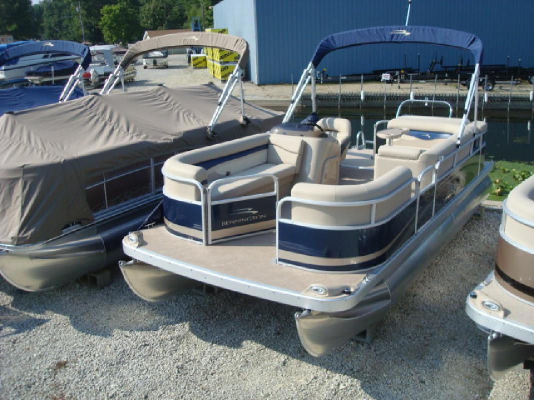 2012 22' Bennington Marine LLC pontoon 22sl