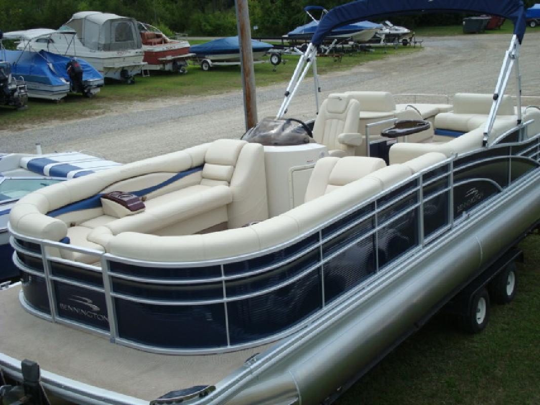 2011 27' Bennington Marine LLC pontoon 25753rcw