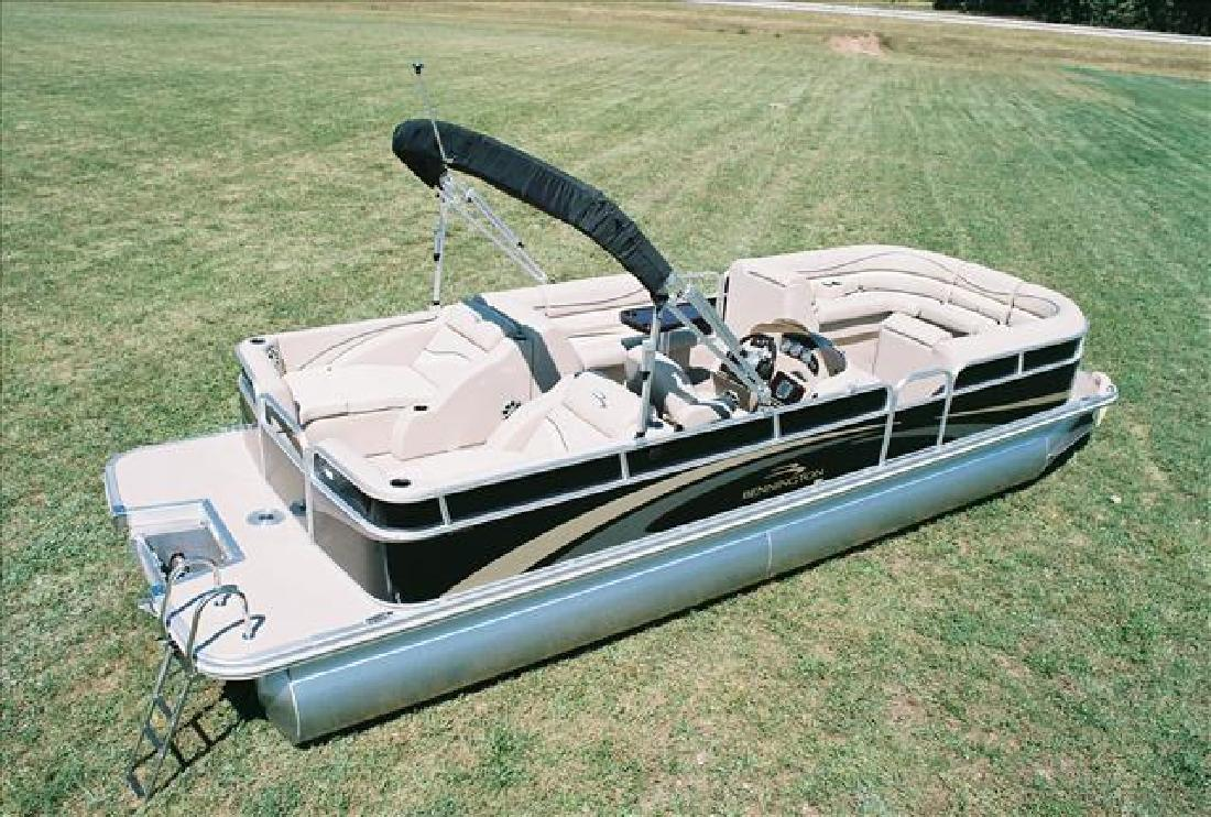 2011 24' Bennington Marine LLC pontoons 2275gcw