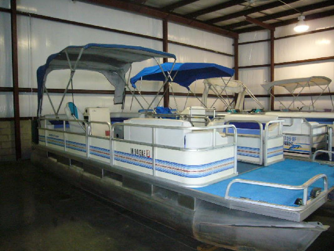 1989 22 riviera marine pty ltd riviera cruiser 22 for sale in indianapolis indiana all boat