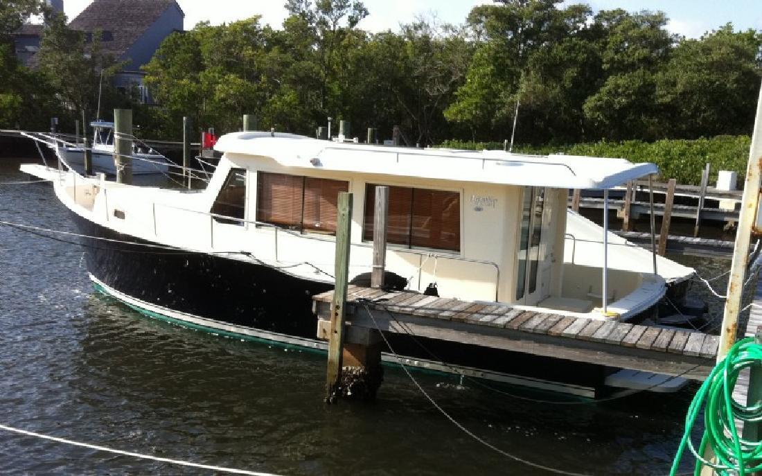 2008 34' MAINSHIP Trawler