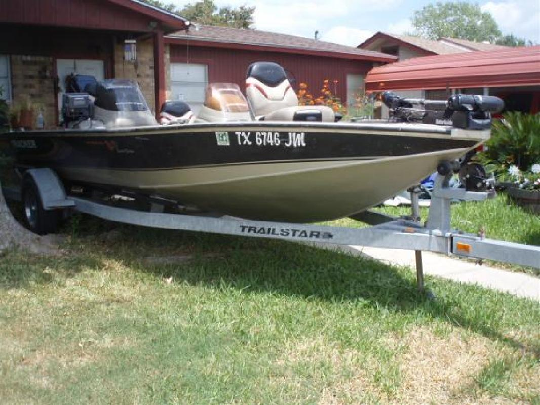 2001 18' Tracker Marine Group V18
