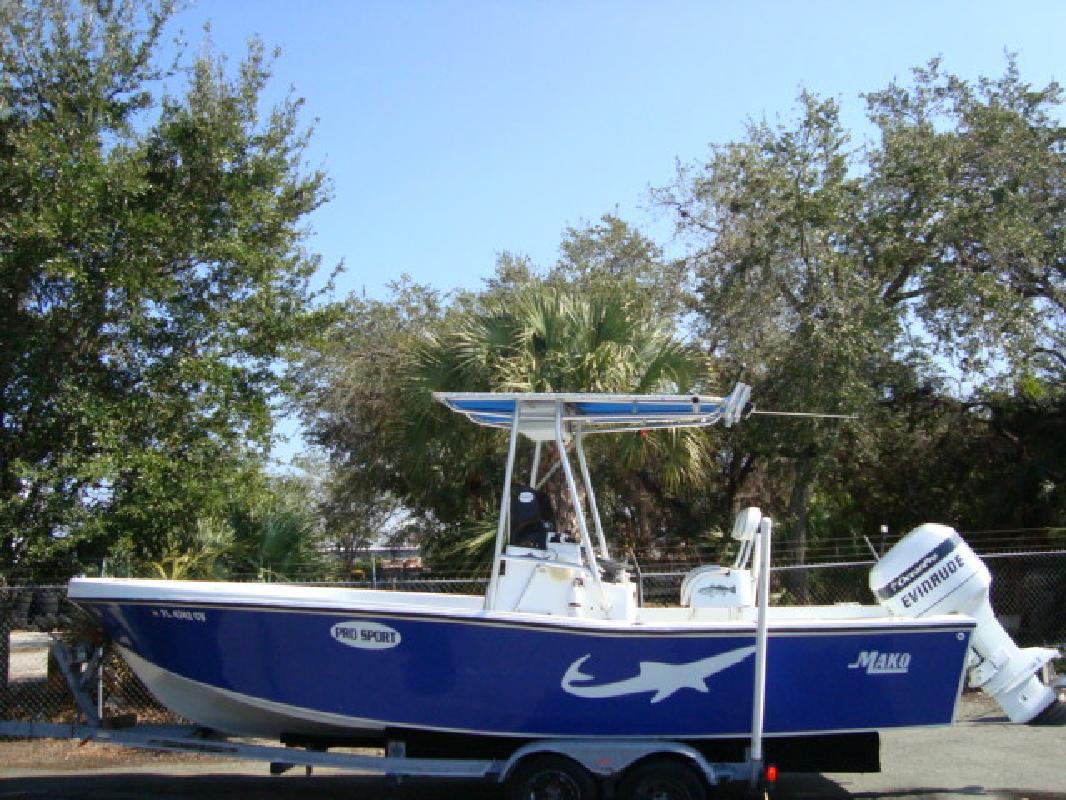 1976 23' Mako Marine International 230 in Naples, Florida