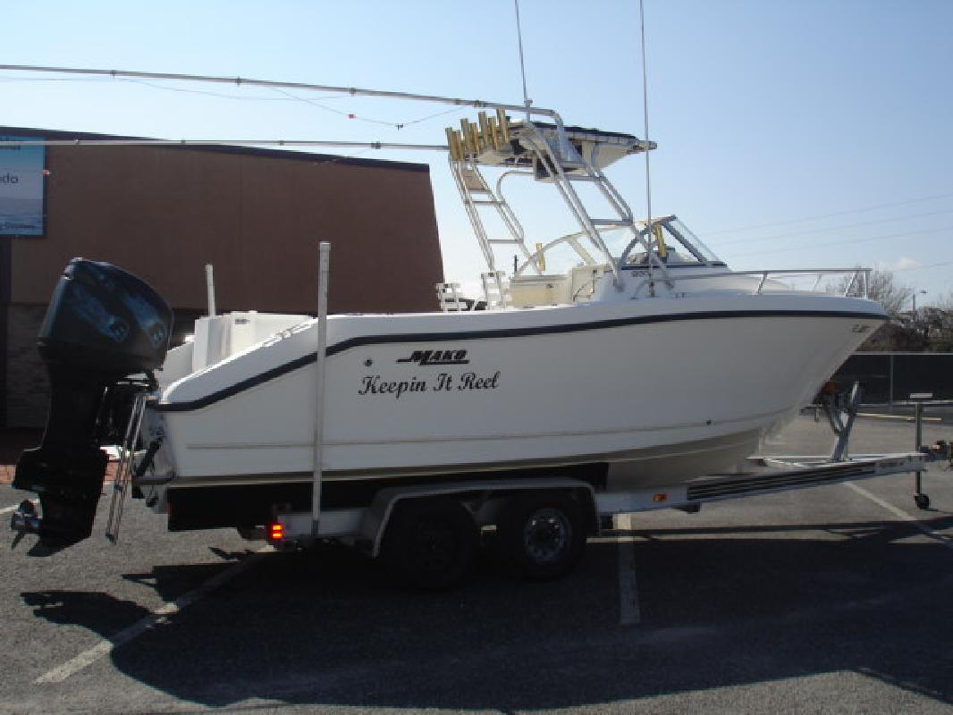 2000 23' Mako Marine International 233