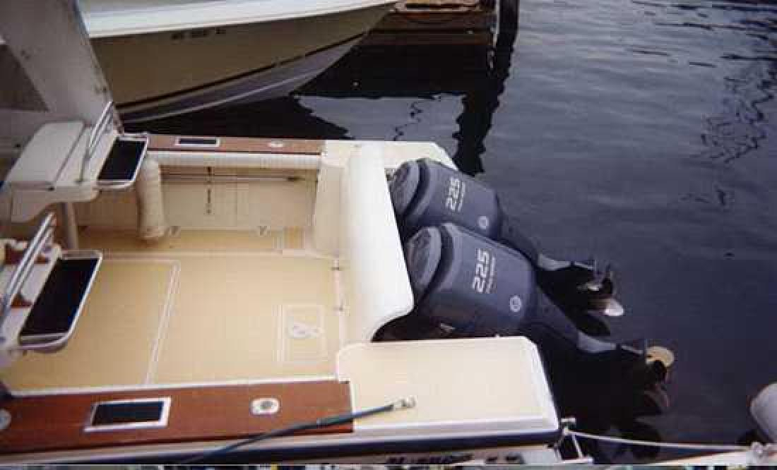 1987 28' Mako Marine International 285 in Newport, Rhode Island