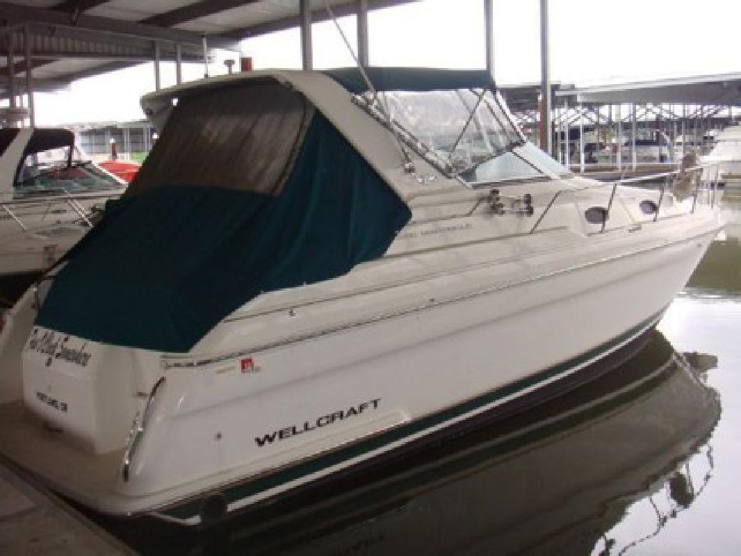$39,995 1997 - Wellcraft Marine 3200 Martinique - 32 ft
