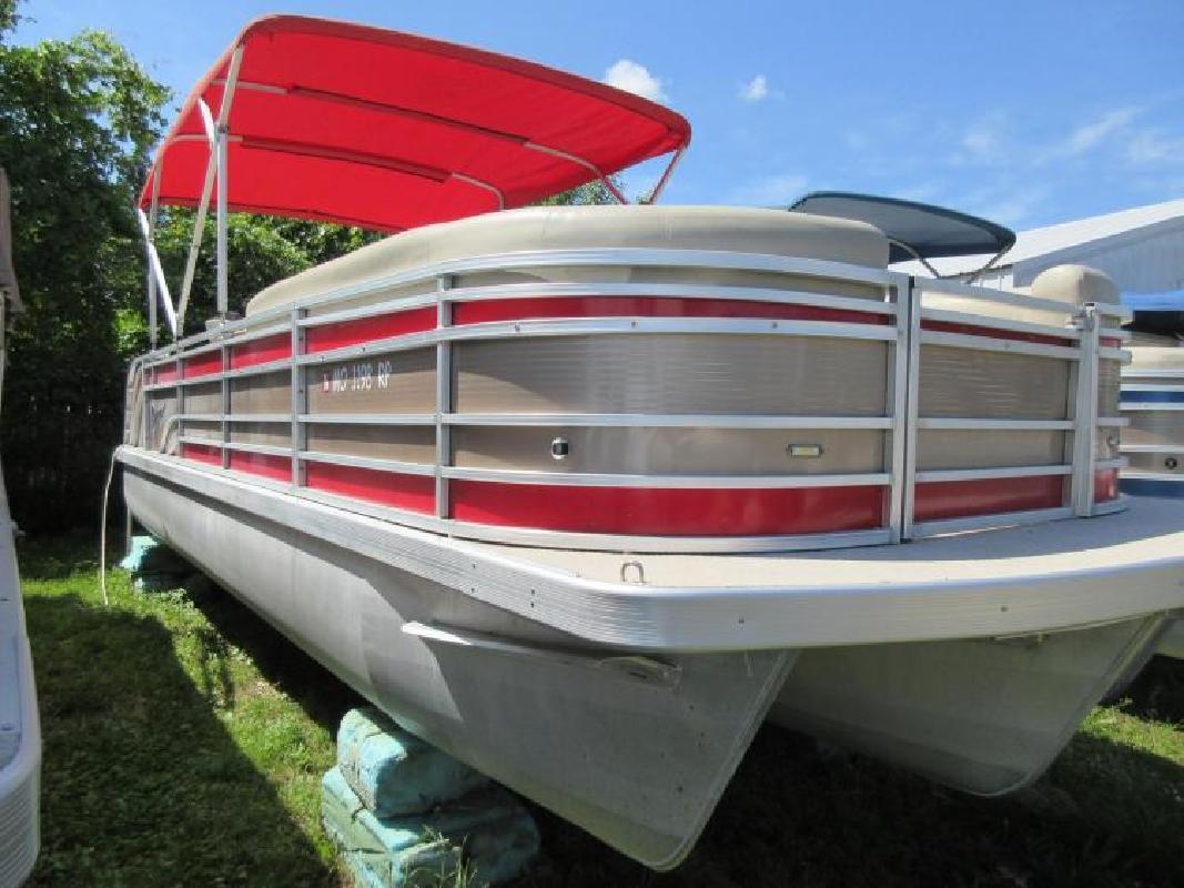 2013 Voyager by Champion Motors Sunrise Beach MO